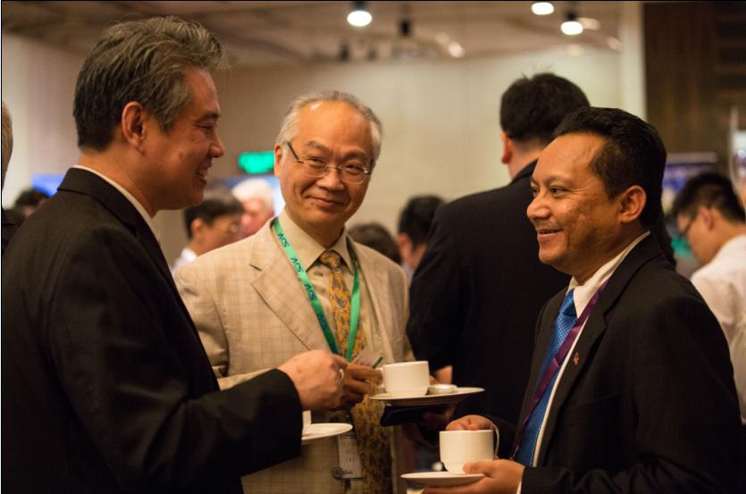 核心提示: --> 2016年10月20日,第三届亚洲FPSO&FLNG 2016大会在沪豫园万丽酒店拉开序幕.  --> 2016年10月20日,第三届亚洲FPSO&FLNG 2016大会在沪豫园万丽酒店拉开序幕,为期两天的大会以FPSO&FLNG亚太产业发展洞见与展望:积极布局,畅想未来为主题,围绕现有与在建FPSO&FLNG项目更新、未来FPSO&FLNG项目规划进展、建立新的合作产业关系等议题进行了深入探讨,为全球浮式生产系统领袖搭建人脉交流和项目对接